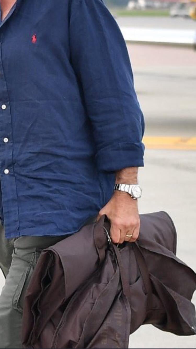 sports shoes 3615c ac53b Sarri sbarca a Torino: spunta l'abito di marca...Allegri ...